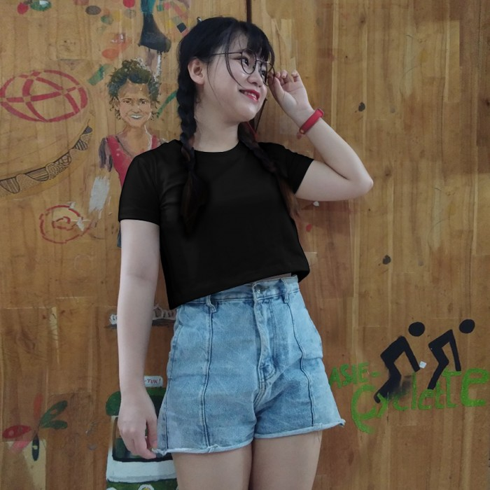 Black round crop top tee, 100% cotton, soft and nice